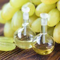 Traubenkernöl und andere natürliche Haaröle